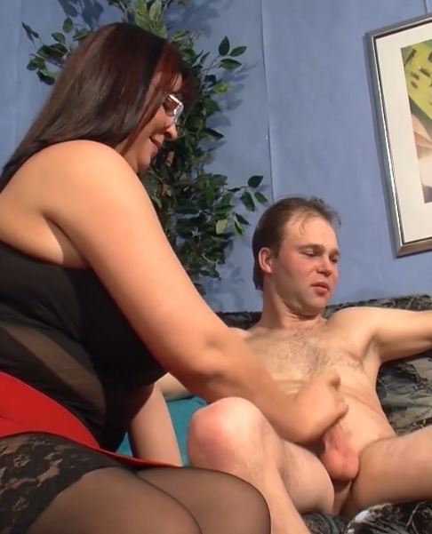 Naughty mature BBWs share a hard dick during FFM threesome session