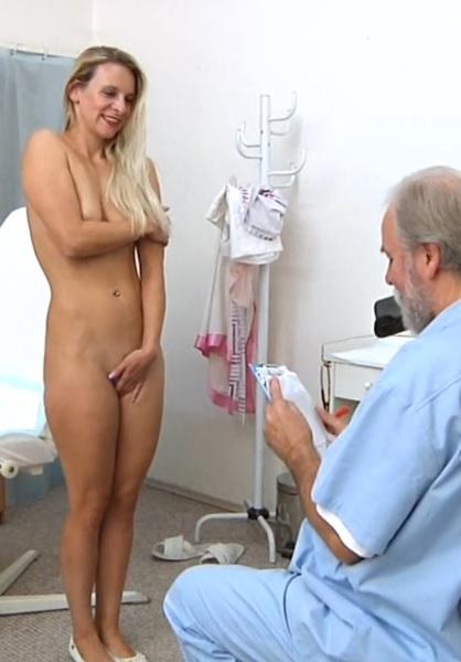 Bianca Ferrero Gyno Exam