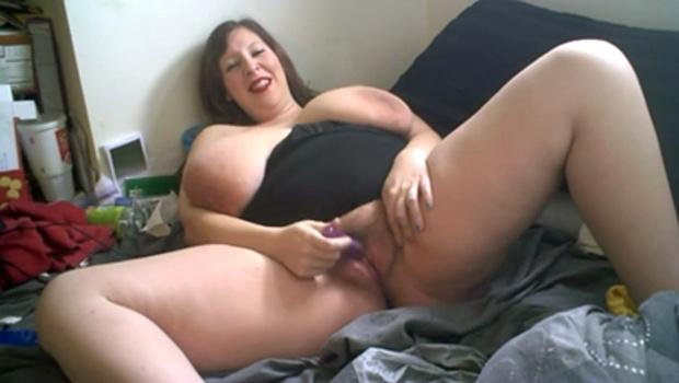 пышные женщины мастурбирует в веб камеру сайте замучался
