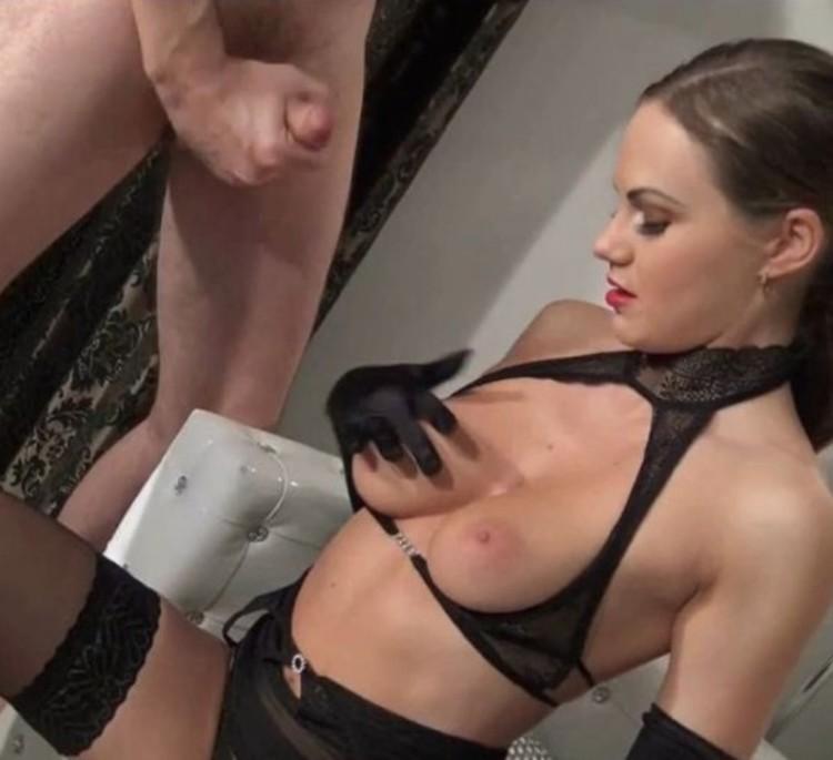 Plump girls big tits