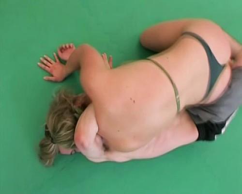 Amazons Prod – MISS PUNISHER 3  Viktoria vs Stephane fight2