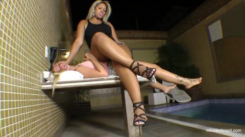 Mfvideobrazil: Sofa Giant Girl By Mel Costa And Vaninha