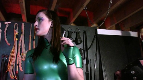 Mistress Vivienne – lAmour – Puppy Ashtray
