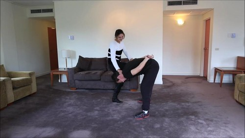 Karate Trample Femdom Girls – Karate Lesson with Natalie Low-Blow