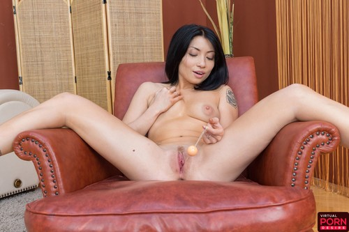 Virtualporndesire asian hottie tries out her new sex toys 5