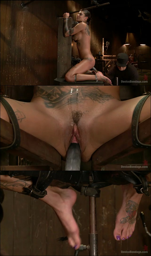 Lesbians Squirt All Over Girl