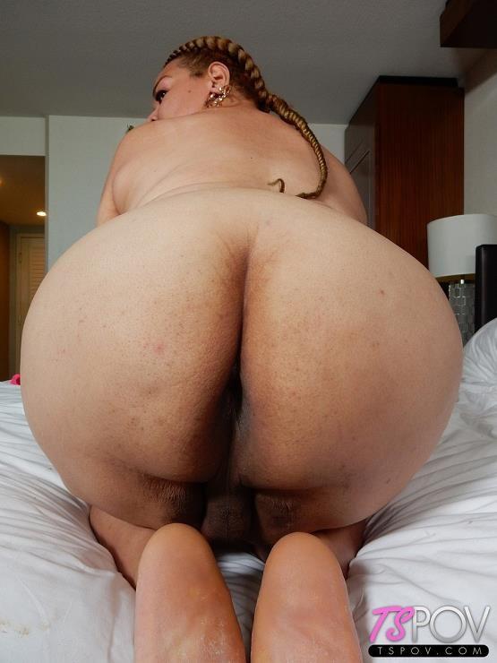 [TsPov] Veronica Moore – exotic BBW babe Veronica sucks a dick like a pro (04.11.2017) [2017, Shemale Blowjob, Big Ass, 1080p]