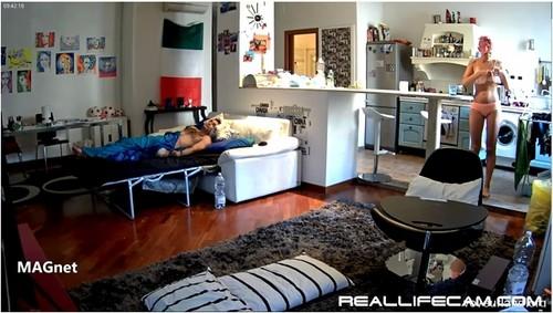 http://ist3-7.filesor.com/pimpandhost.com/9/6/8/3/96838/5/d/8/a/5d8aF/Reallifecam182_cover_m.jpg
