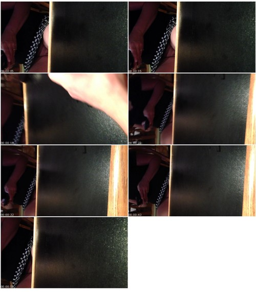 UpskirtNoPanties063_thumb_m.jpg