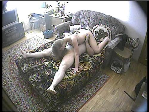 порно не знала что ее снимают на скрытую камеру девочка