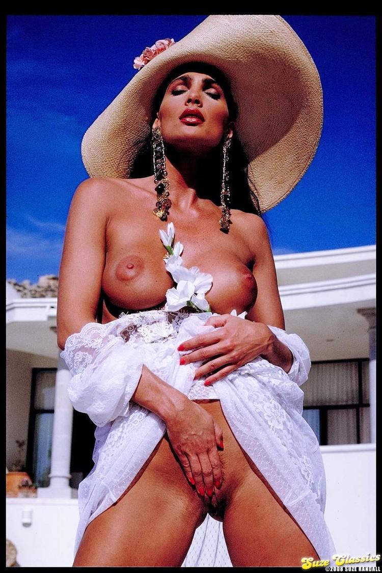 Julie Peterson Nude